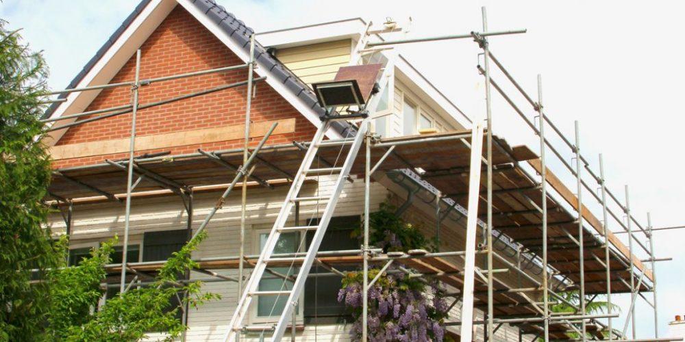 Rénovations domiciliaires en hausse alors que les gens continuent de rester chez eux